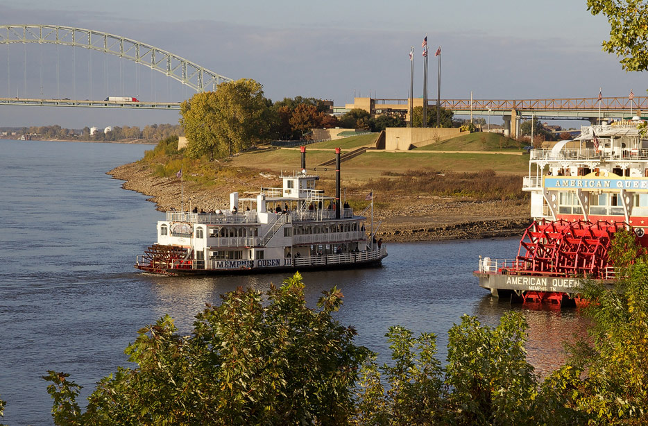 Memphis Queen III (pictures by David Brossard, CC BY-SA 2.0)