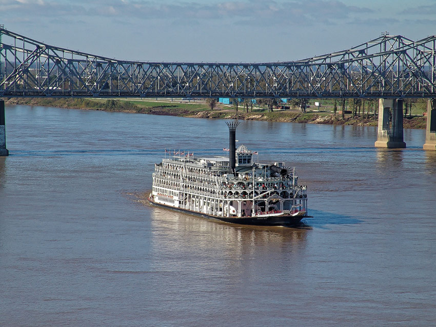 American Queen in Natchez-under-the-Hill