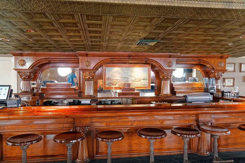 American Queen - paddlewheel bar