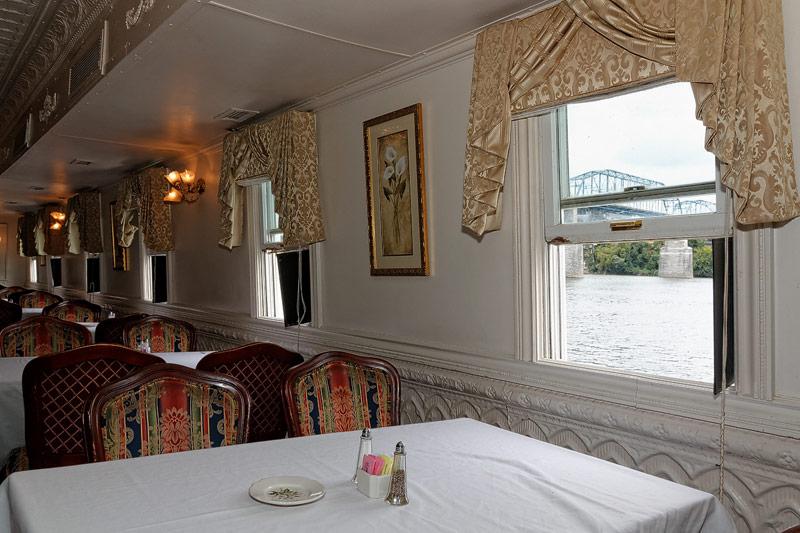 Delta Queen - Orleans Dining Room