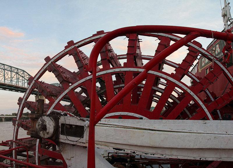 Delta Queen - Paddlewheel