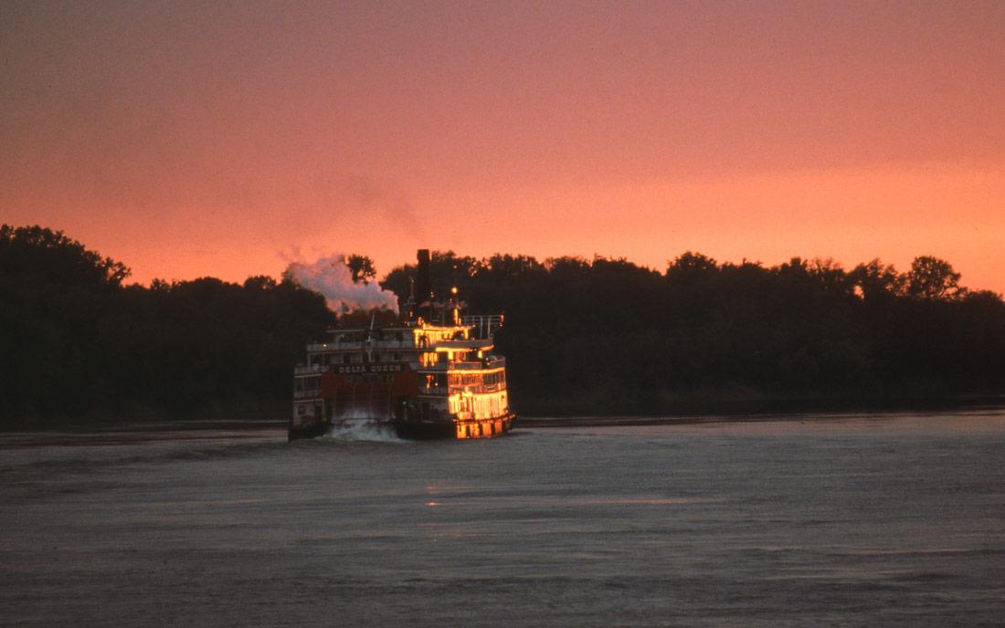 Delta Queen at Savannah, TN