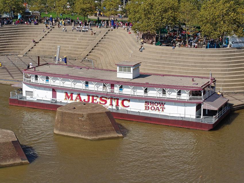 Majestic Showboat