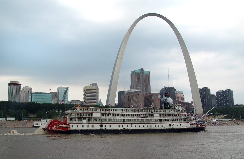St. Louis, Gateway Arch, Delta Queen